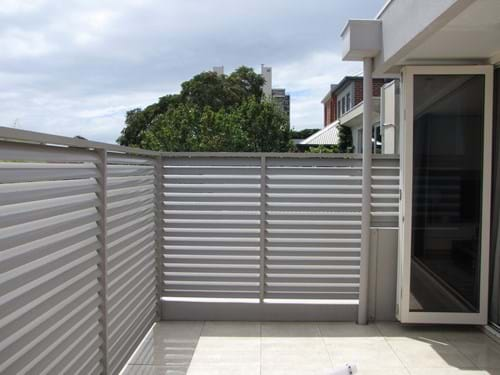 Louvre Blade Balcony Screens by Bayside Privacy Screens allow for air flow