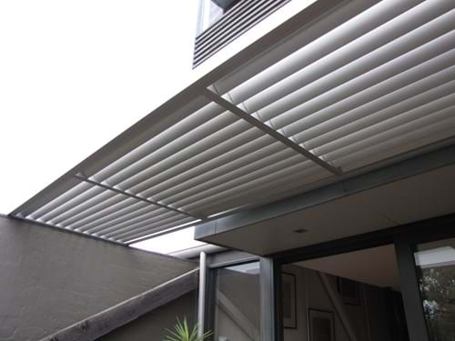 Louvre Blade Sunscreens are mounted horizontally for shade