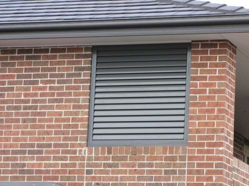 Perfect for residential or commercial applications - Pivoting 90mm Louvre Blade Shutter Panel Screen