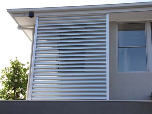 Feature Screening by Bayside Privacy Screens the design experts