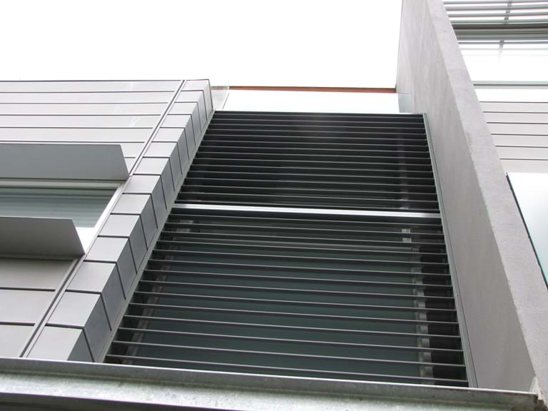 Bayside Privacy Screens - Pivoting Louvre Blade Shutter Panel Screen